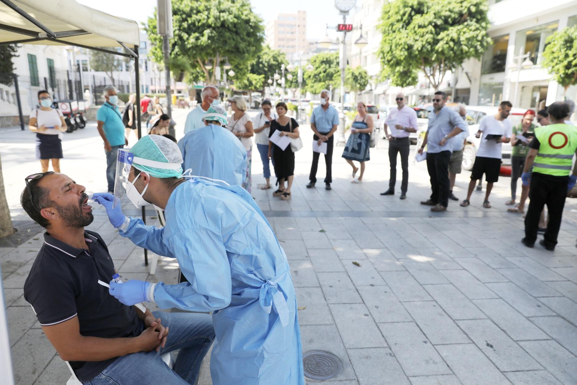 Κύπρος: Ένας νεκρός και 677 νέα κρούσματα κορονοϊού – Αρνητικό ρεκόρ νοσηλειών