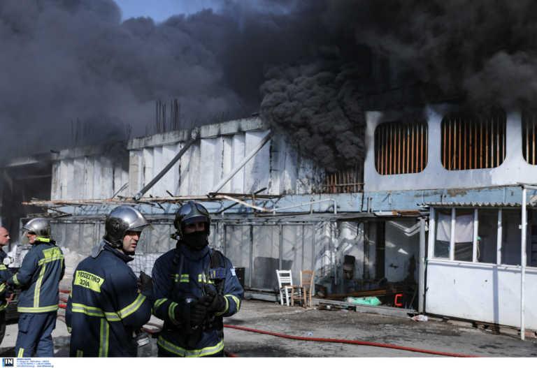 Φωτιά στη Μεταμόρφωση: Οδηγίες της Περιφέρειας Αττικής προς τους κατοίκους