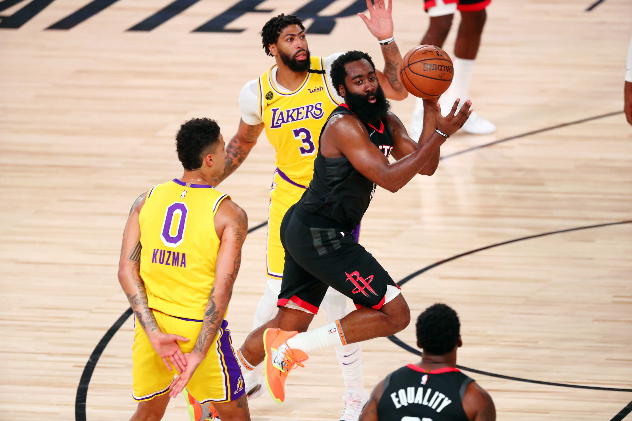 "NBA: Ο ""αγριεμένος"" Χάρντεν εκτέλεσε τους Λέικερς – Τράβηξε… 45άρι ο Λίλαρντ (videos)"