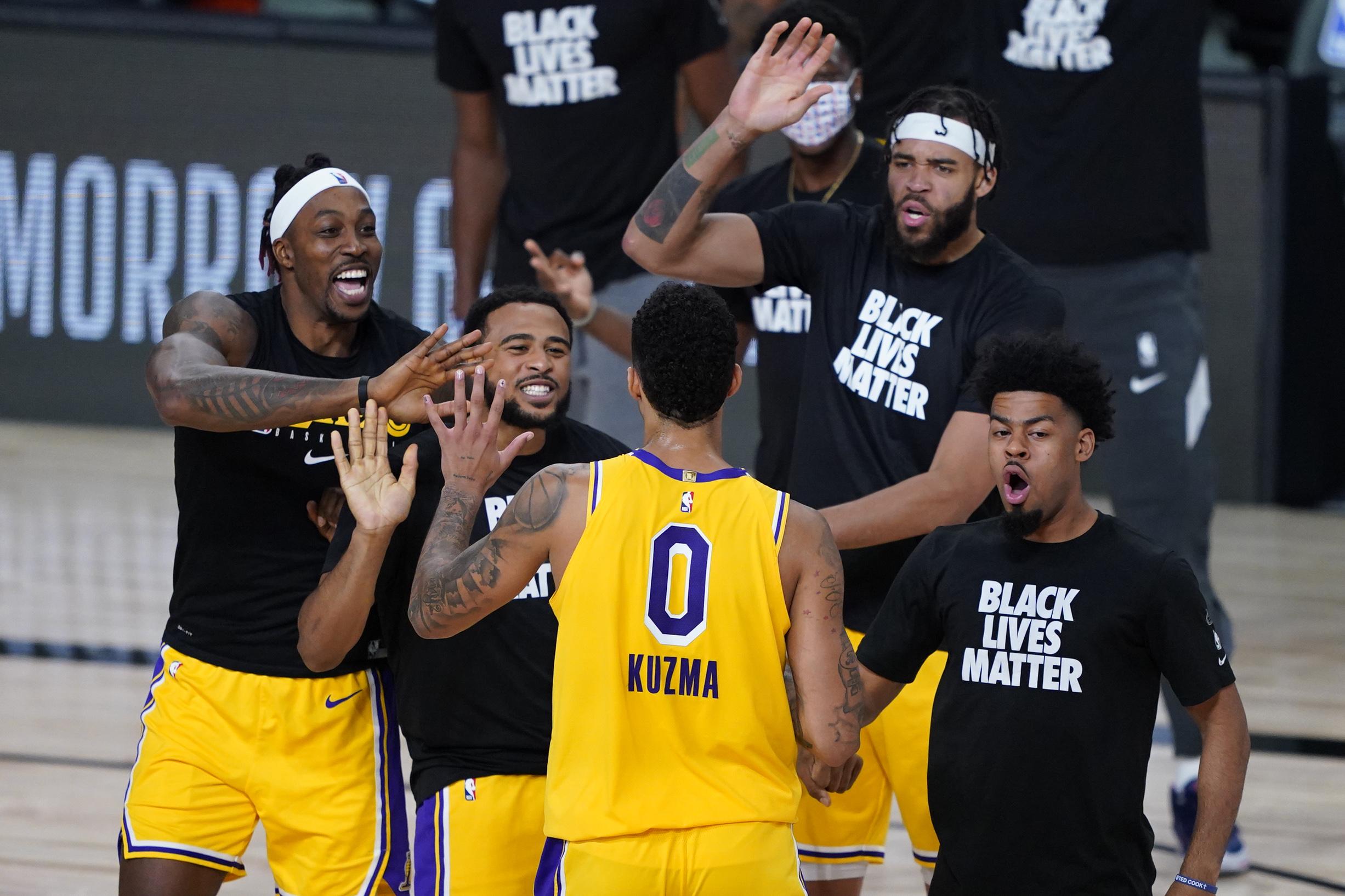"NBA: Το απίθανο ""buzzer beater"" του Κούζμα – ""Κι ο Ιησούς να ήταν μπροστά μου θα σούταρα"" (video)"