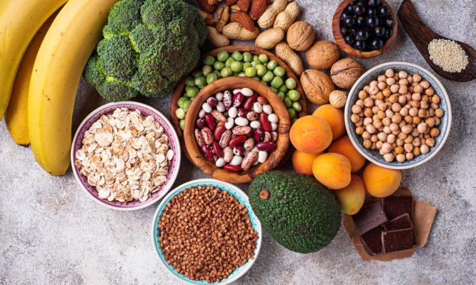 Ποιες τροφές περιέχουν άφθονο μαγνήσιο και πόσο πρέπει να τρώμε