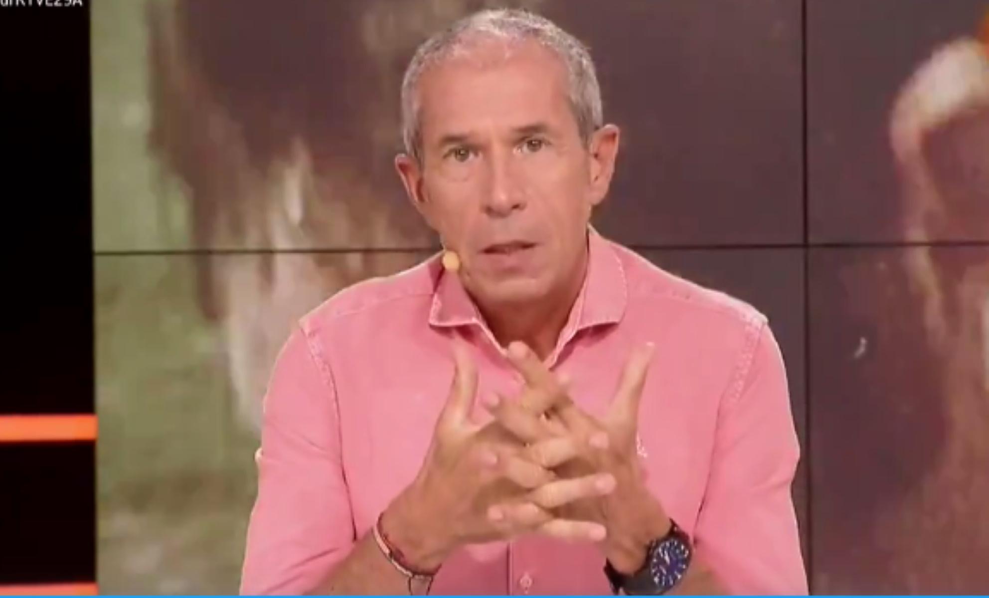 Ισπανός σχολιαστής πήγε τουαλέτα με το μικρόφωνο ανοιχτό (video)