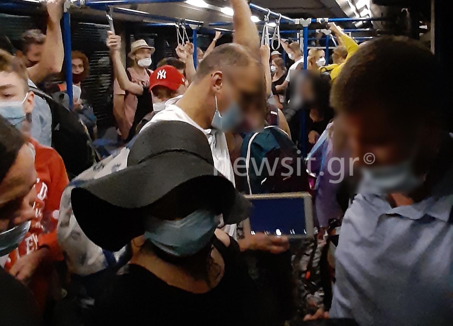 """Ελευθέριος Βενιζέλος: Σαν τις """"σαρδέλες"""" στο λεωφορείο του αεροδρομίου! (pics, video)"""