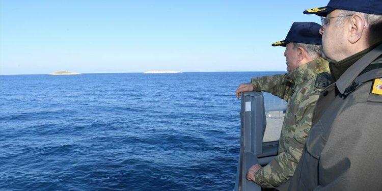 Έξαλλος με την Γαλλία ο Ακάρ: Δεν θα μείνει αναπάντητη επέμβαση εναντίον πλοίων μας