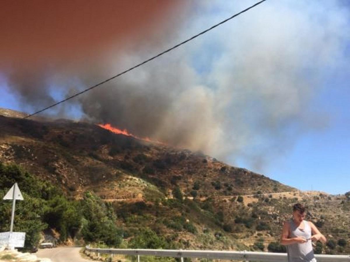 Φωτιά στην ορεινή Νάξο