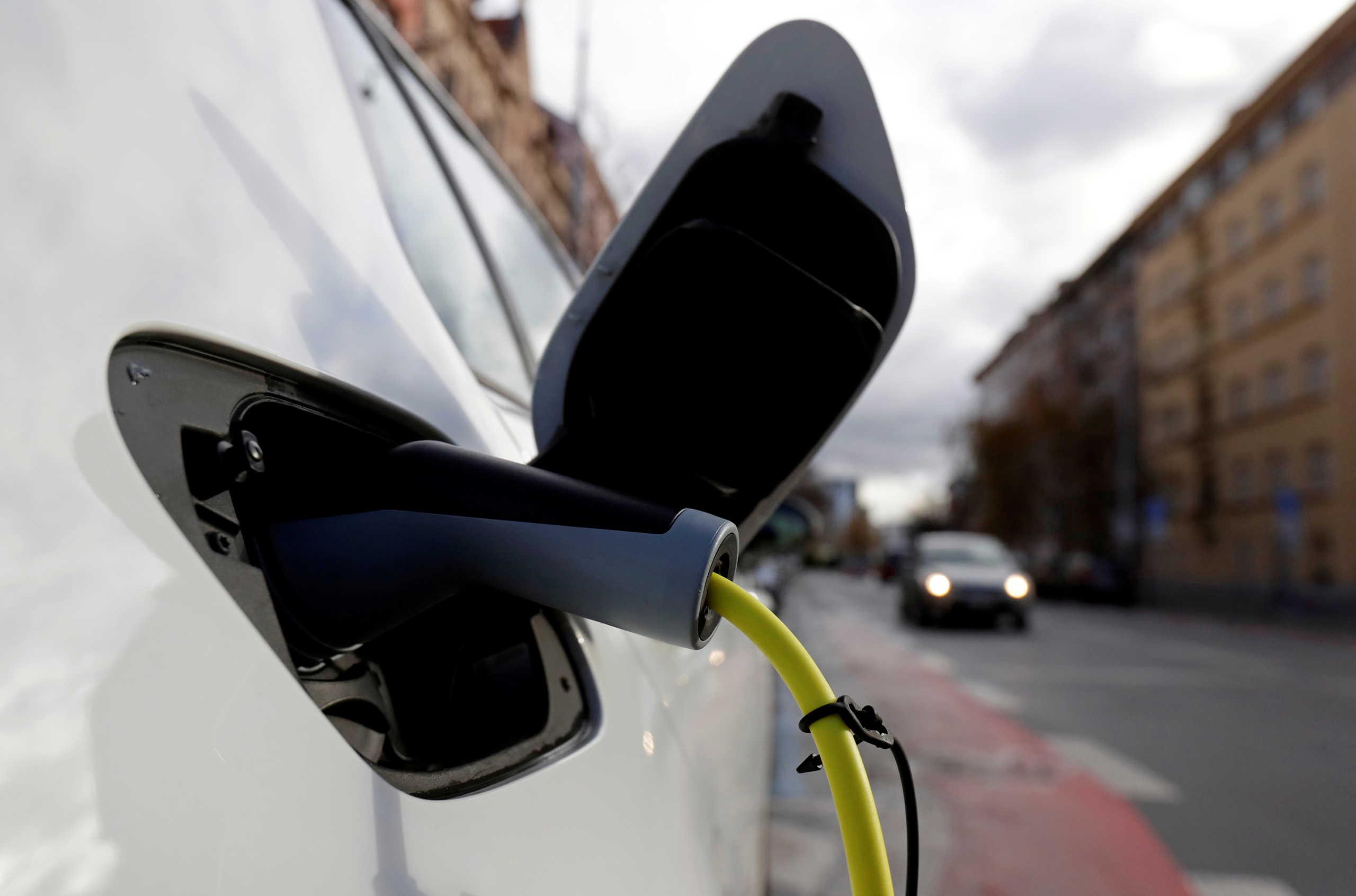 Η Ελλάδα θα αποκτήσει εργοστάσιο που θα παράγει ηλεκτρικά αυτοκίνητα, ποια είναι η εταιρεία