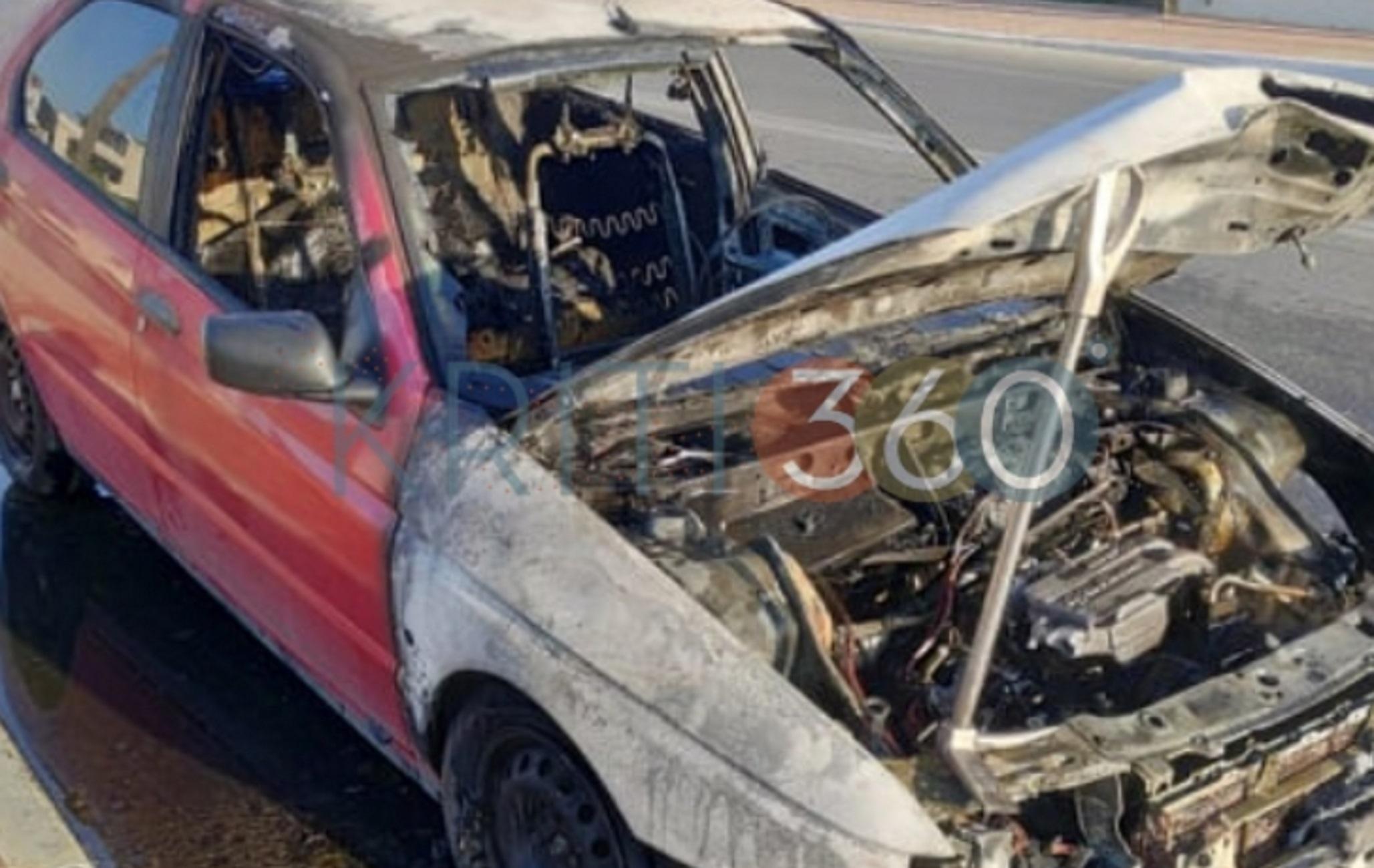 Κρήτη: Εφιάλτης στο τιμόνι! Το αυτοκίνητο τυλίχθηκε στις φλόγες στο δρόμο (Φωτό)