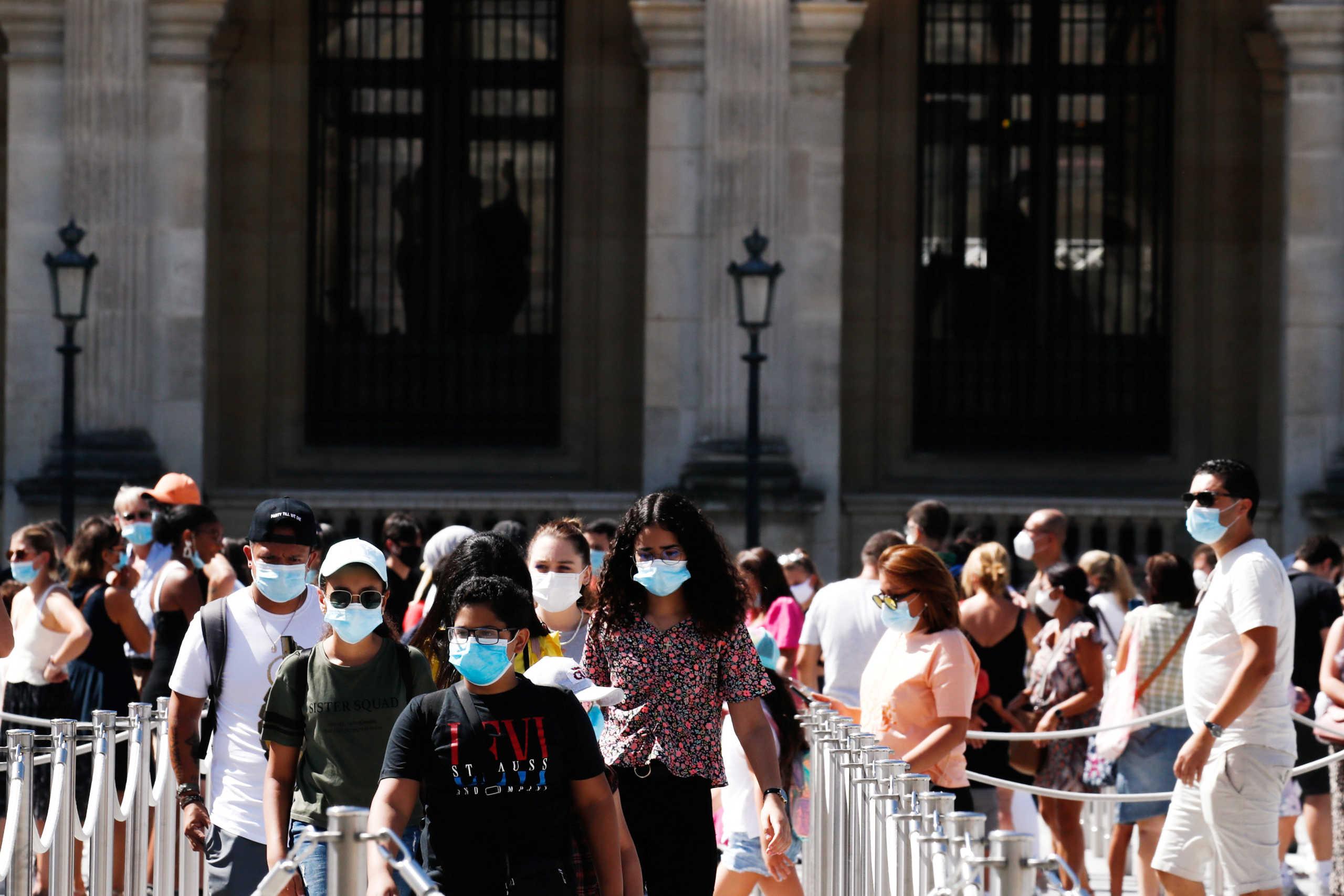 Γαλλία: Παρατείνεται μέχρι 30 Οκτωβρίου η απαγόρευση εκδηλώσεων άνω των 5.000 ανθρώπων
