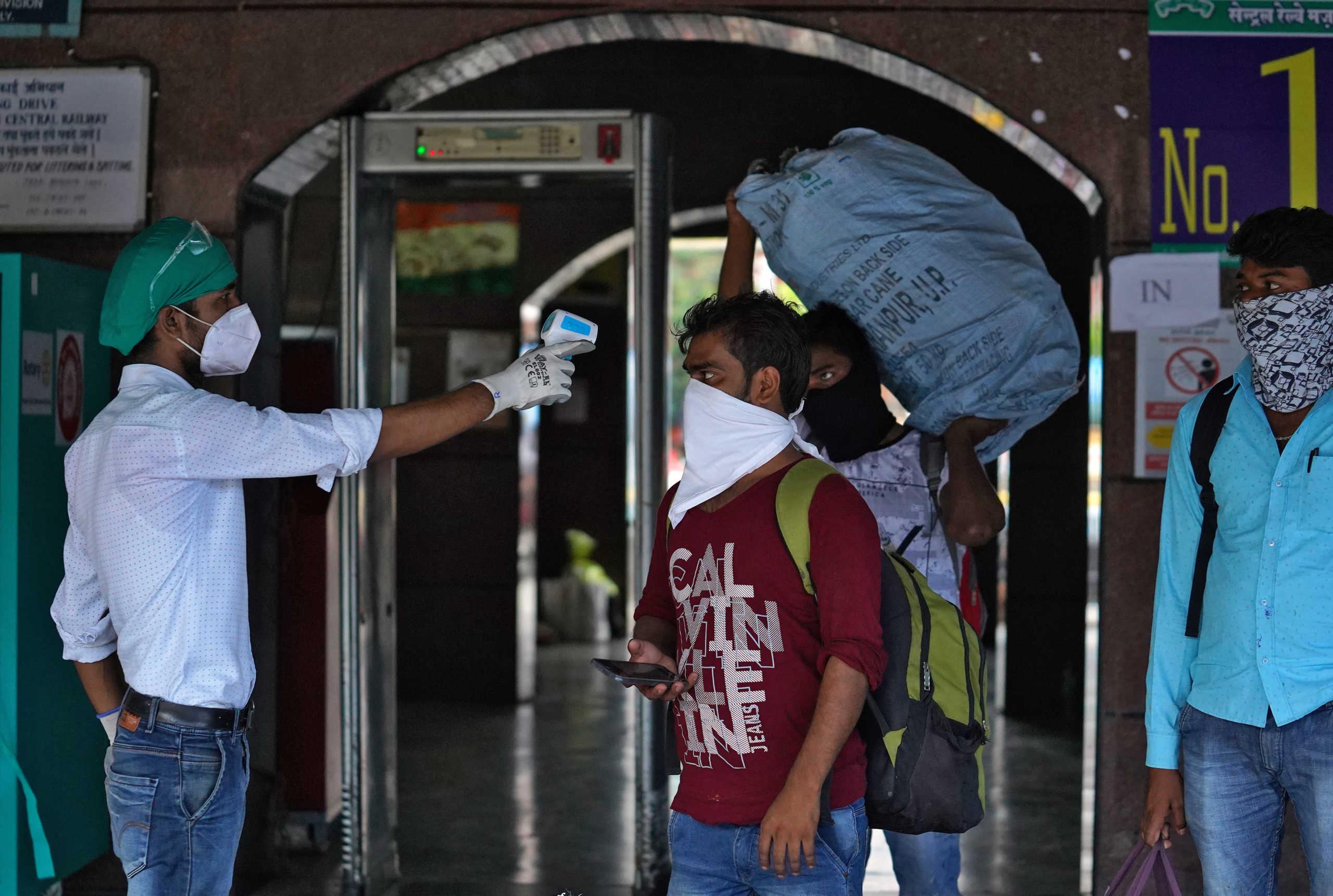Ινδία: 11.427 κρούσματα κορονοϊού και 118 νεκροί σε 24 ώρες