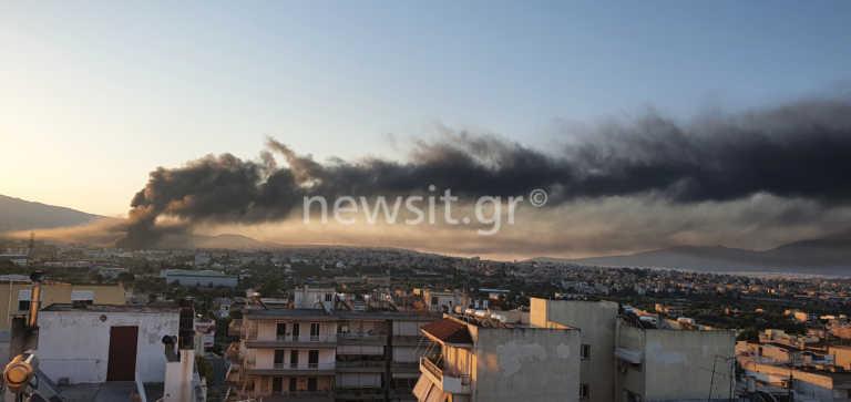 Μεγάλη φωτιά σε εργοστάσιο στη Μεταμόρφωση! Περιοχές