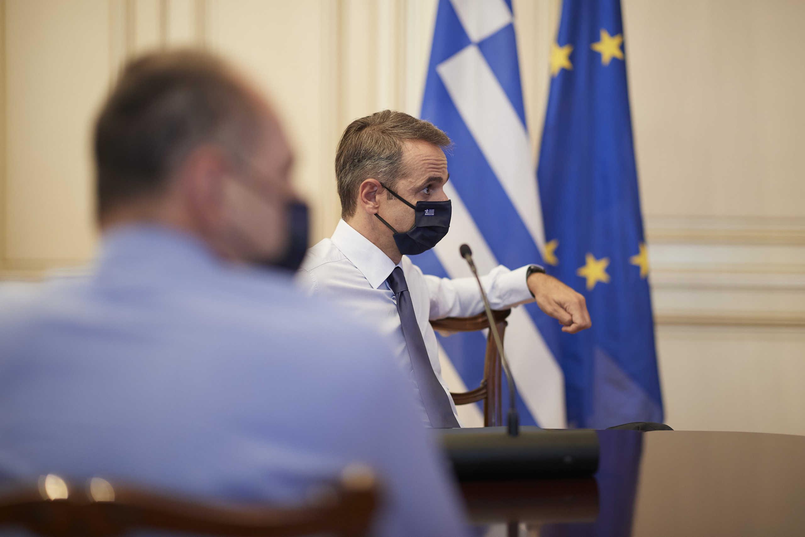 Κορονοϊός: Νέος συναγερμός στο Μαξίμου – Κρίσιμες οι επόμενες μέρες για αυστηρότερα μέτρα