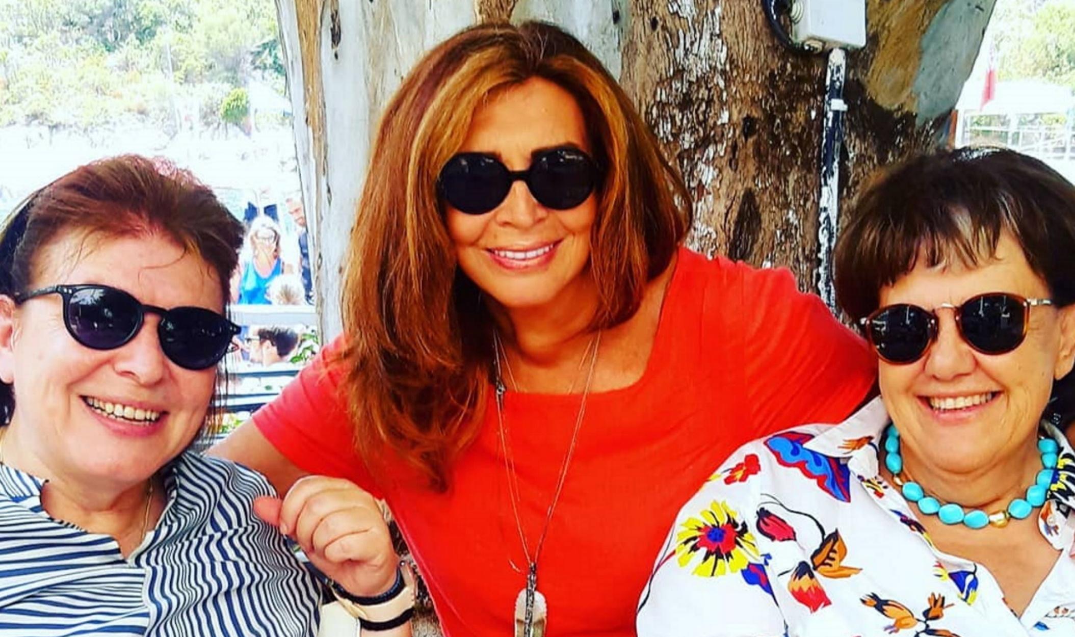 Η φωτογραφία της Μιμής Ντενίση με την Λίνα Μενδώνη και την Άννα Παναγιωταρέα