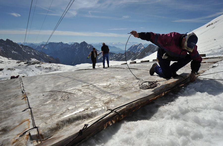 Ρεκόρ ορειβατών και στην εποχή του κορονοϊού για το υψηλότερο βουνό της Γερμανίας