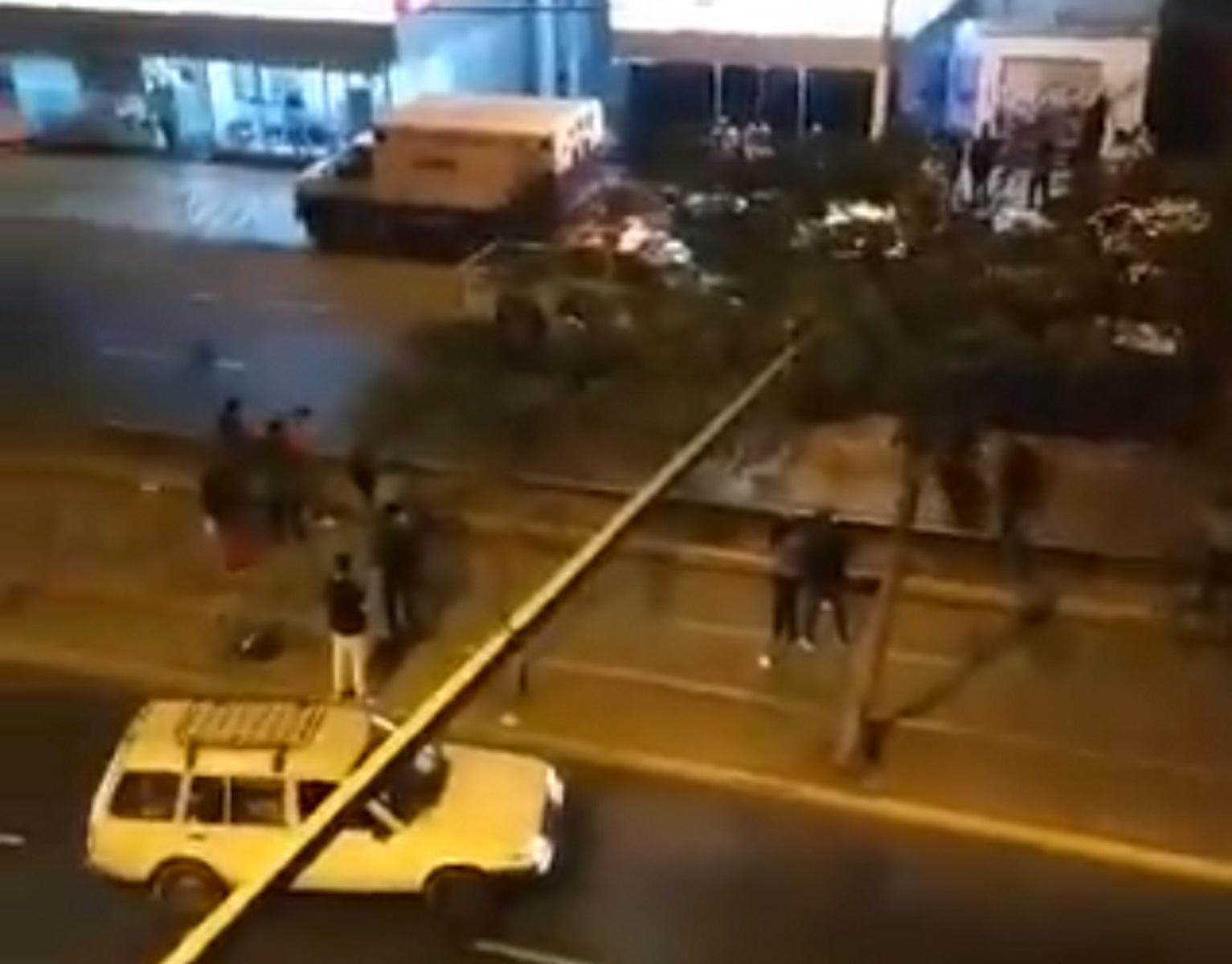 Κορονοϊός: Toυλάχιστον 13 νεκροί σε ντισκοτεκ στο Περού – Ποδοπατήθηκαν σε έφοδο αστυνομικών