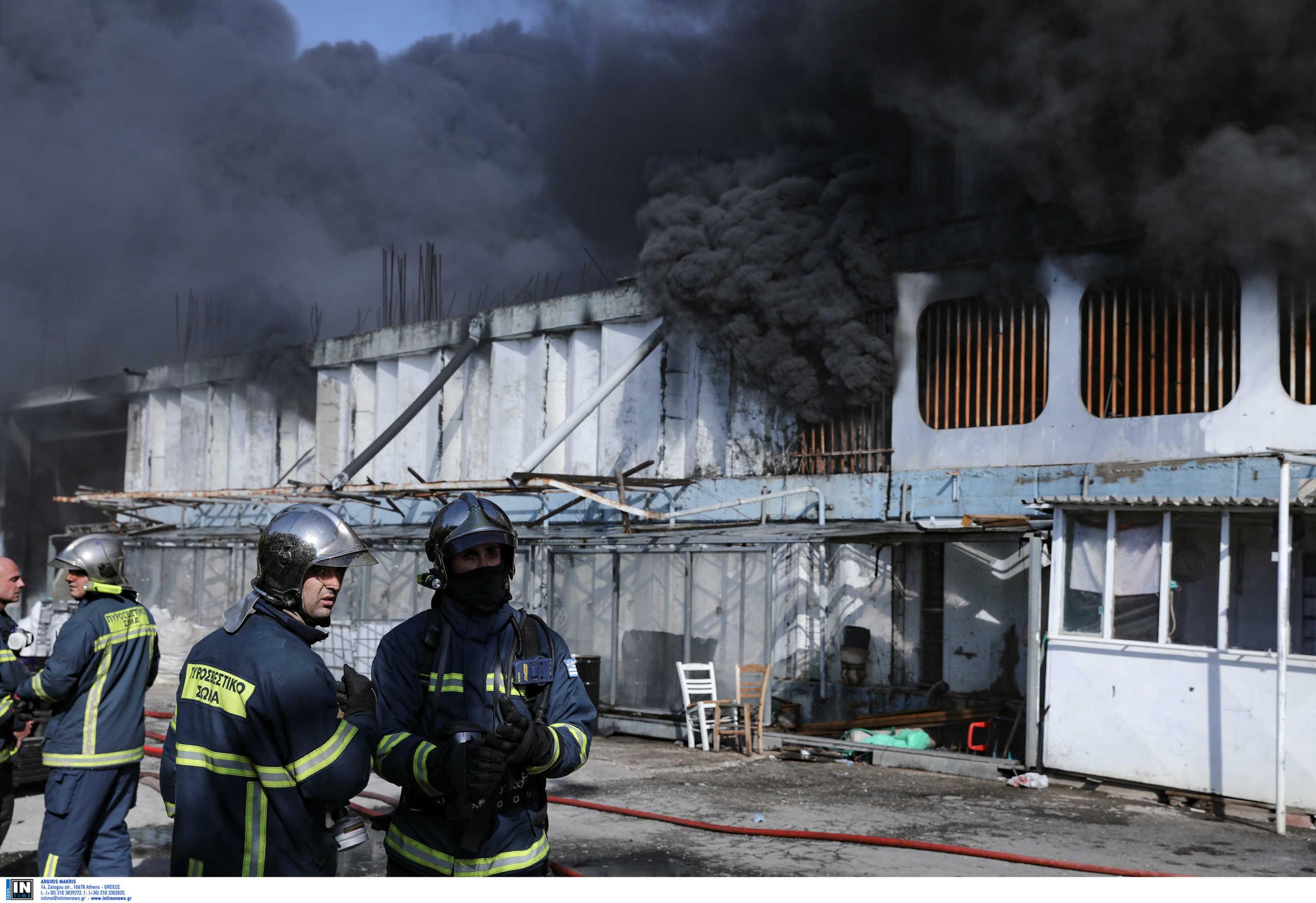 Μεταμόρφωση – εργοστάσιο: Τι έδειξαν οι μετρήσεις ατμοσφαιρικών ρύπων από τη φωτιά