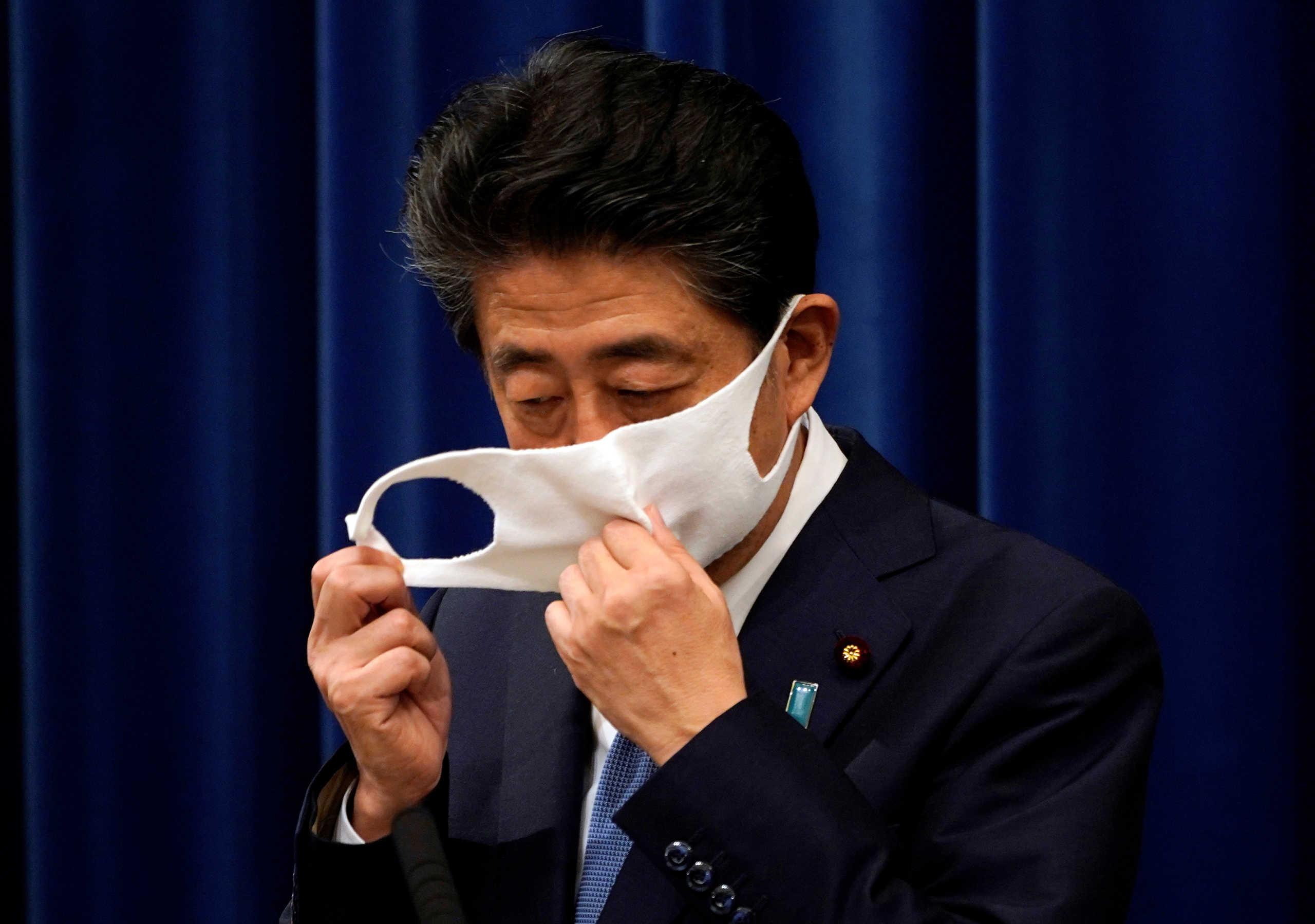 Παραιτήθηκε ο Ιάπωνας πρωθυπουργός, Σίνζο Άμπε και ζήτησε συγγνώμη από τον λαό του