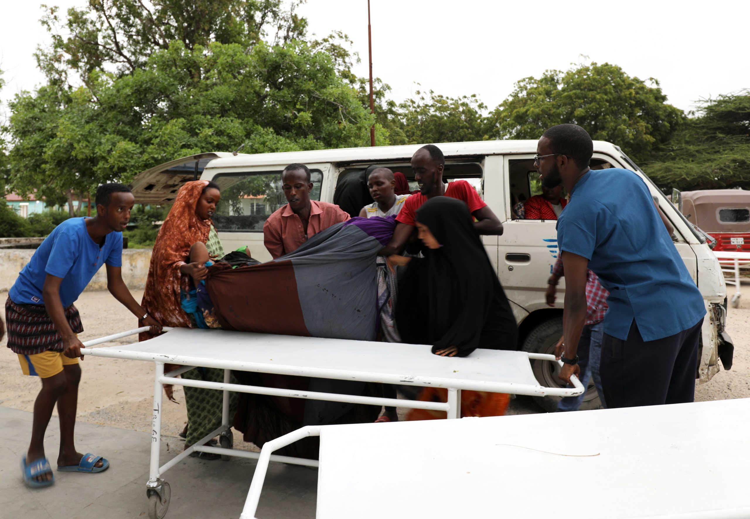 Λουτρό αίματος στη Σομαλία – 17 νεκροί από τρομοκρατική επίθεση σε ξενοδοχείο