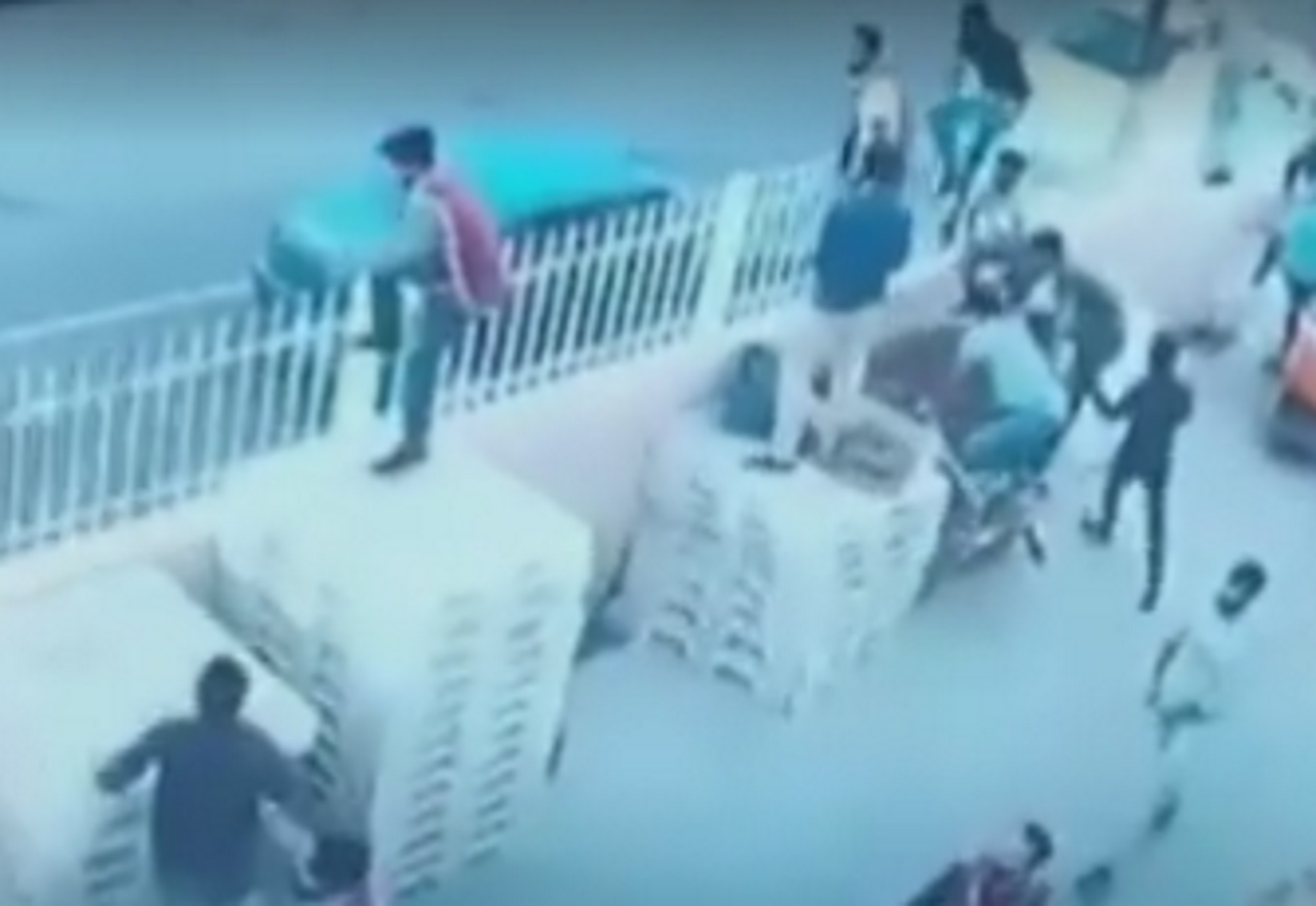 Κρήτη: Βίντεο ντοκουμέντο από την άγρια συμπλοκή Ελλήνων με Πακιστανούς! Πέντε οι τραυματίες