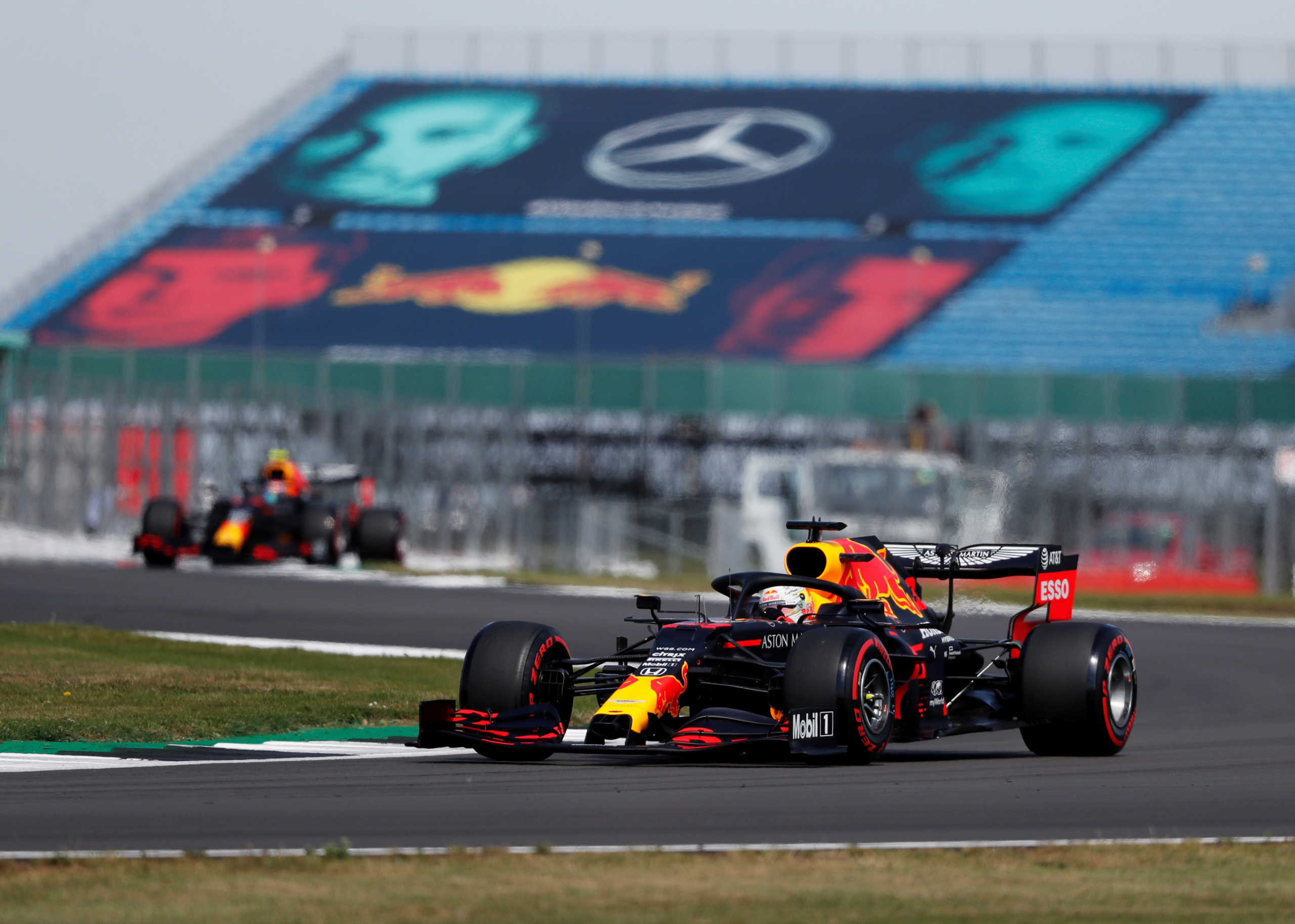 "Formula 1: ""Έσπασε"" το σερί της Mercedes ο Φερστάπεν (video)"