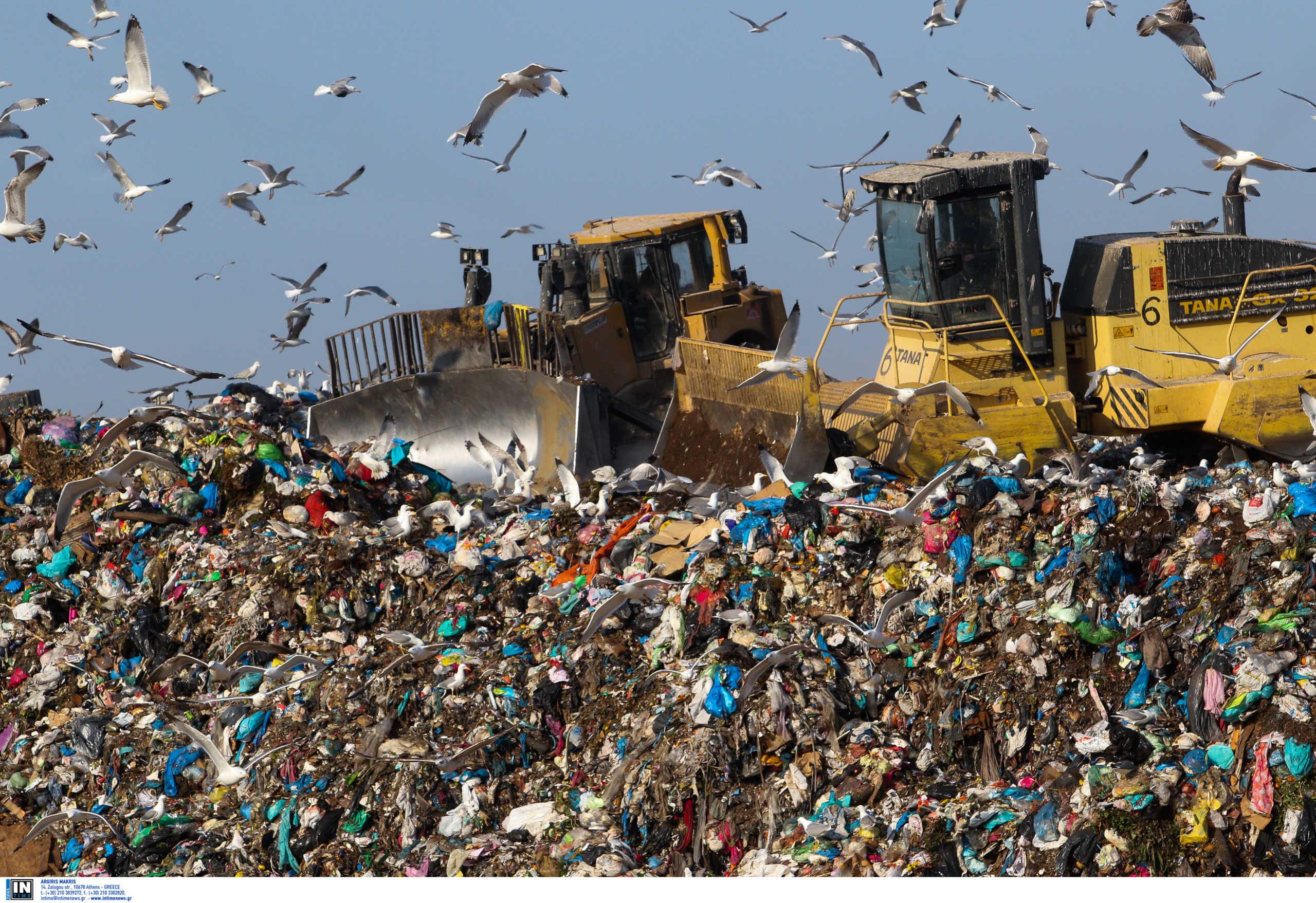 Χατζηδάκης: Στόχος να κλείσουν και οι 14 χωματερές στα νησιά του νοτίου Αιγαίου ως το 2022