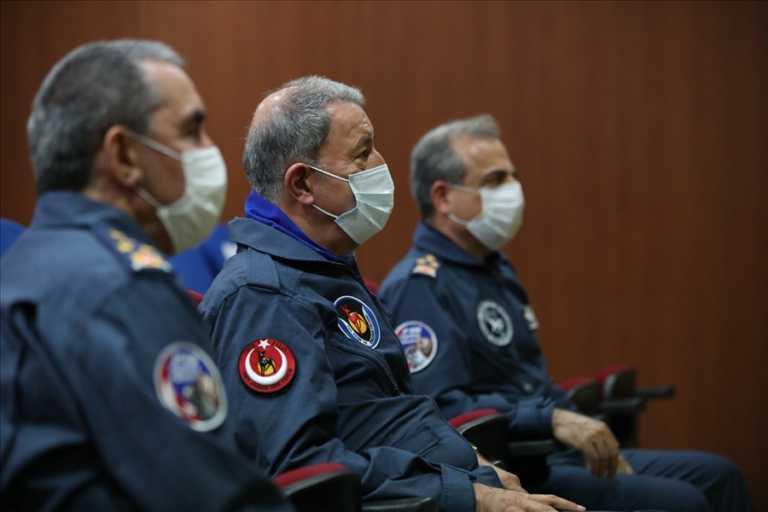 Ακάρ απειλεί Χάφταρ: Αν επιτεθείτε σε Τούρκους στρατιώτες, δεν θα ξέρετε πού να κρυφτείτε
