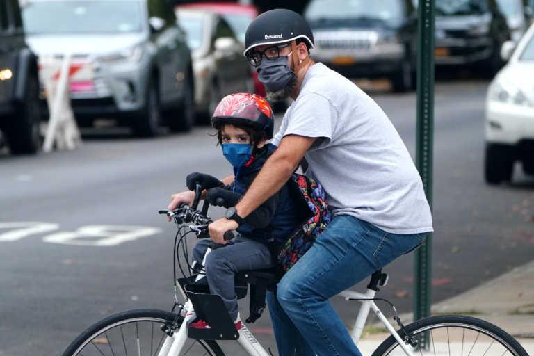 Κορονοϊός: Πρόστιμο για τους αρνητές μάσκας στη Νέα Υόρκη