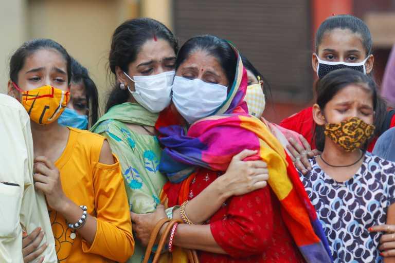 Νέα φρίκη στην Ινδία: Αποκεφάλισε την κόρη του και πήγε το κεφάλι της στην αστυνομία