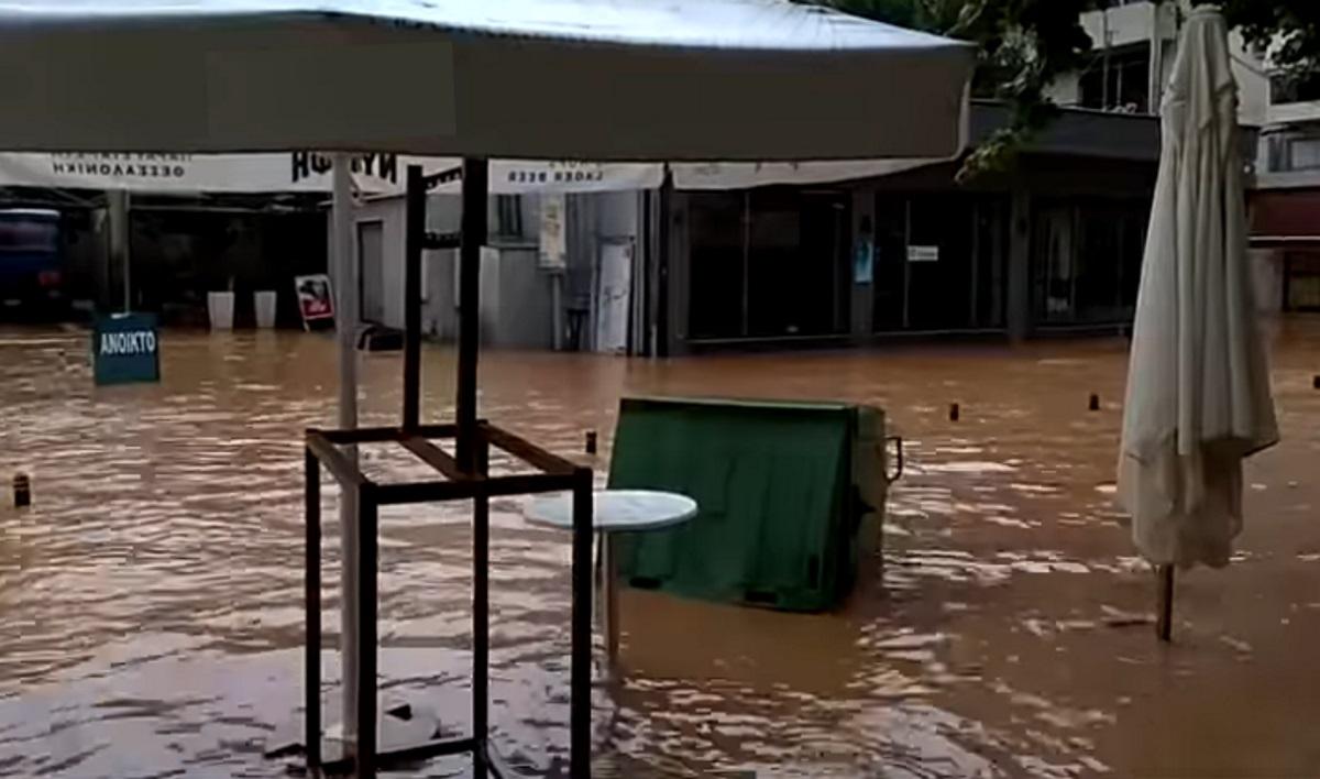 Λέκκας: Το πενταπλό «χτύπημα» της κακοκαιρίας που ισοπέδωσε την Καρδίτσα με 5000 πλημμυρισμένα σπίτια!
