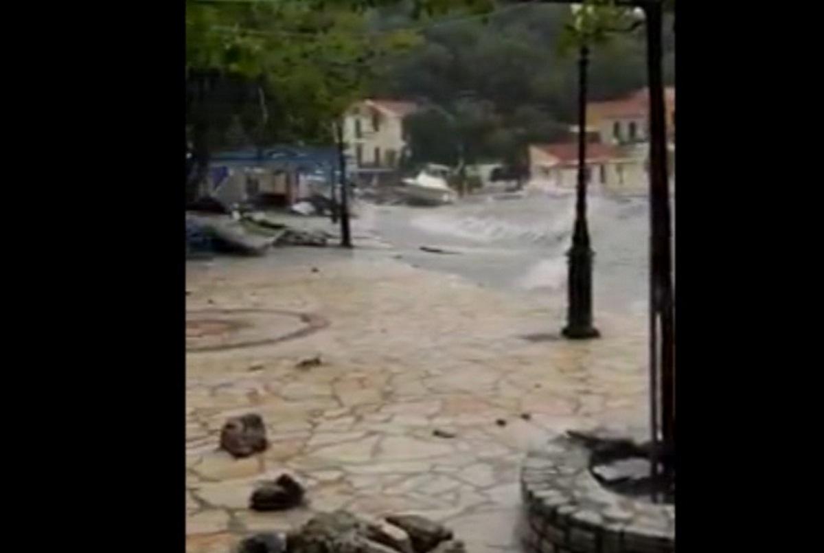 Ιθάκη: Καταστροφές στο λιμανάκι που λάτρευε ο Καραϊσκάκης (video)