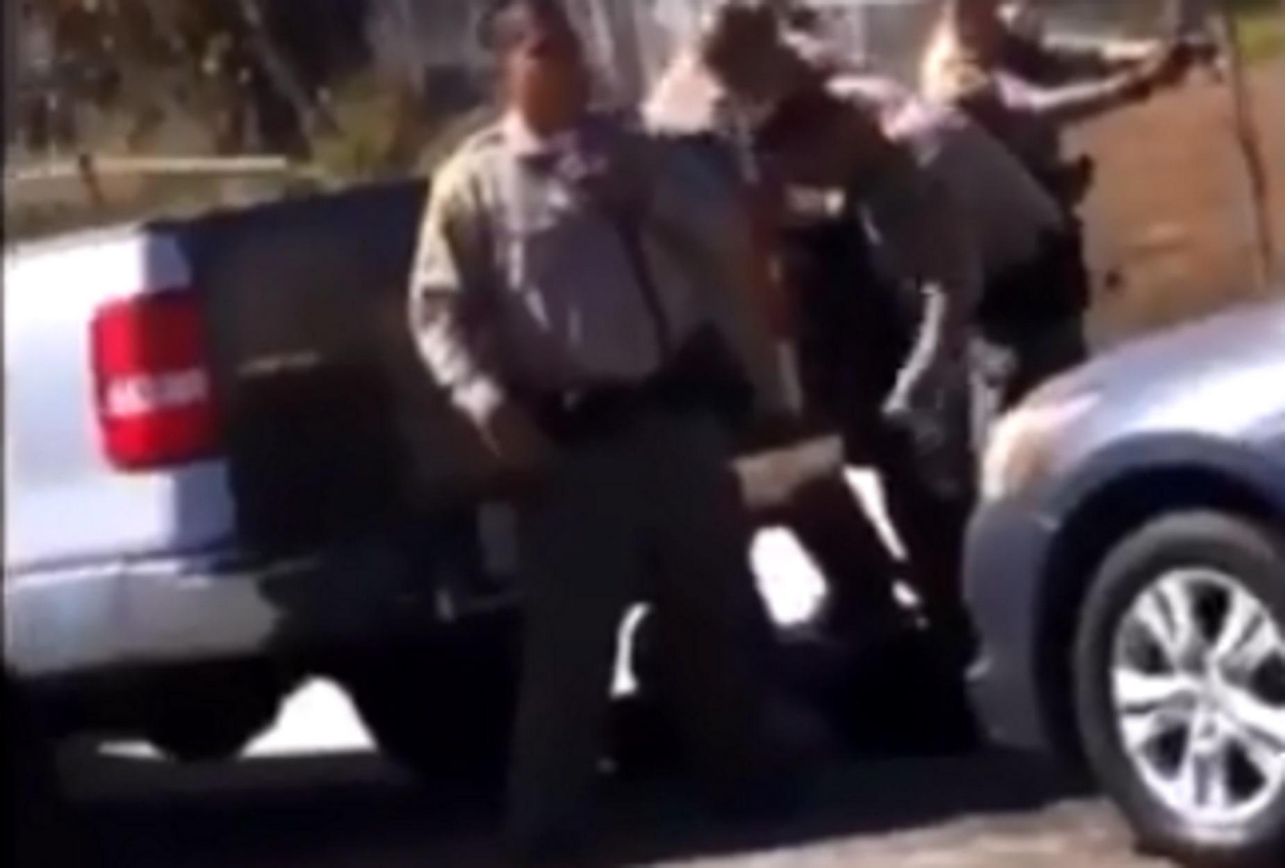 Βίντεο σοκ! Αφροαμερικανός σκοτώθηκε από την αστυνομία στο Λος Άντζελες