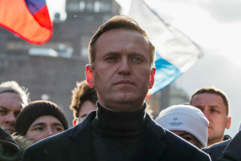 Ναβάλνι: «Με δηλητηρίασε ο Πούτιν» – «Συνεργάζεται με τη CIA» η απάντηση του Κρεμλίνου