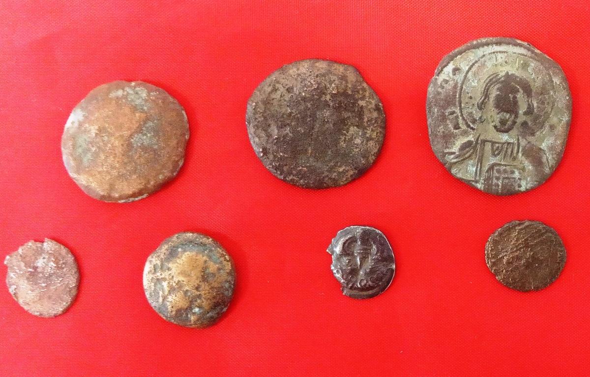 Κρήτη: Τους τσάκωσαν με 12 αρχαία νομίσματα – Καλούνται να διαχειριστούν μια κατάσταση που απεύχονταν