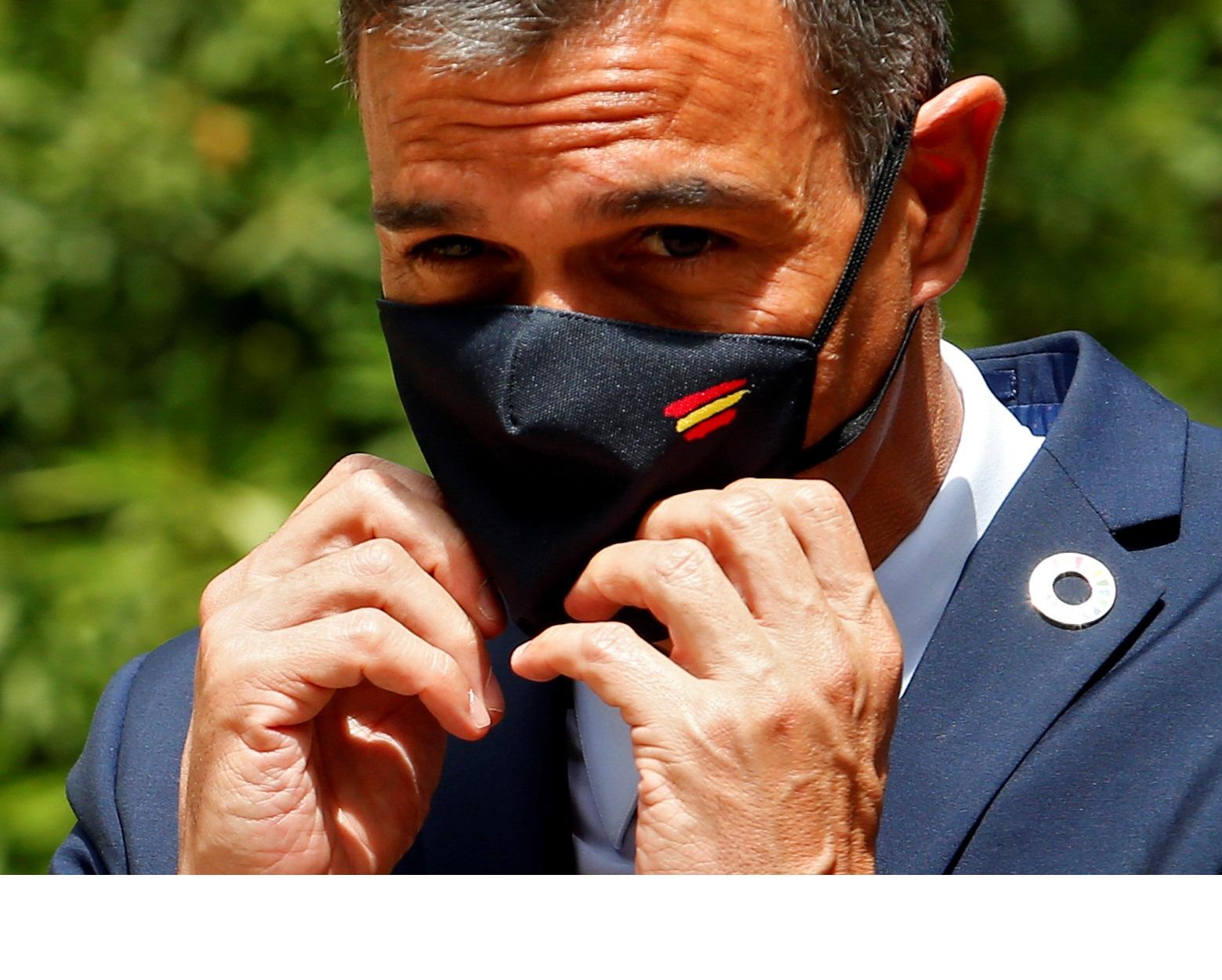 Πέδρο Σάντσεθ: Σε… αναμμένα κάρβουνα για την έκρηξη κρουσμάτων κορονοϊού