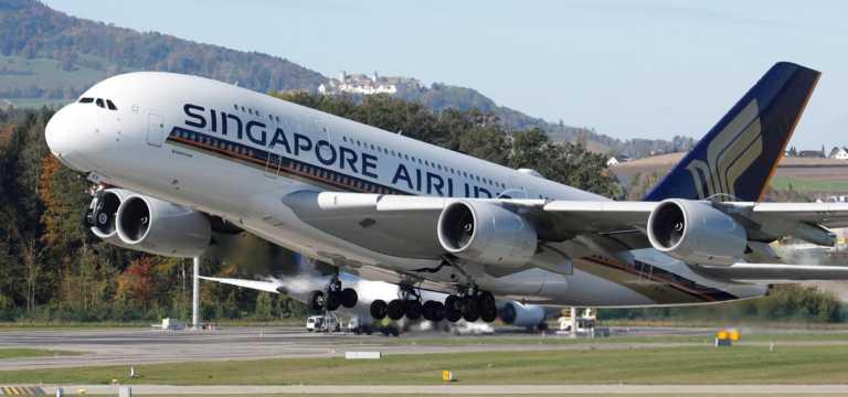 Η Singapore Airlines ξεκίνησε πτήσεις με εμβολιασμένο όλο το πλήρωμα