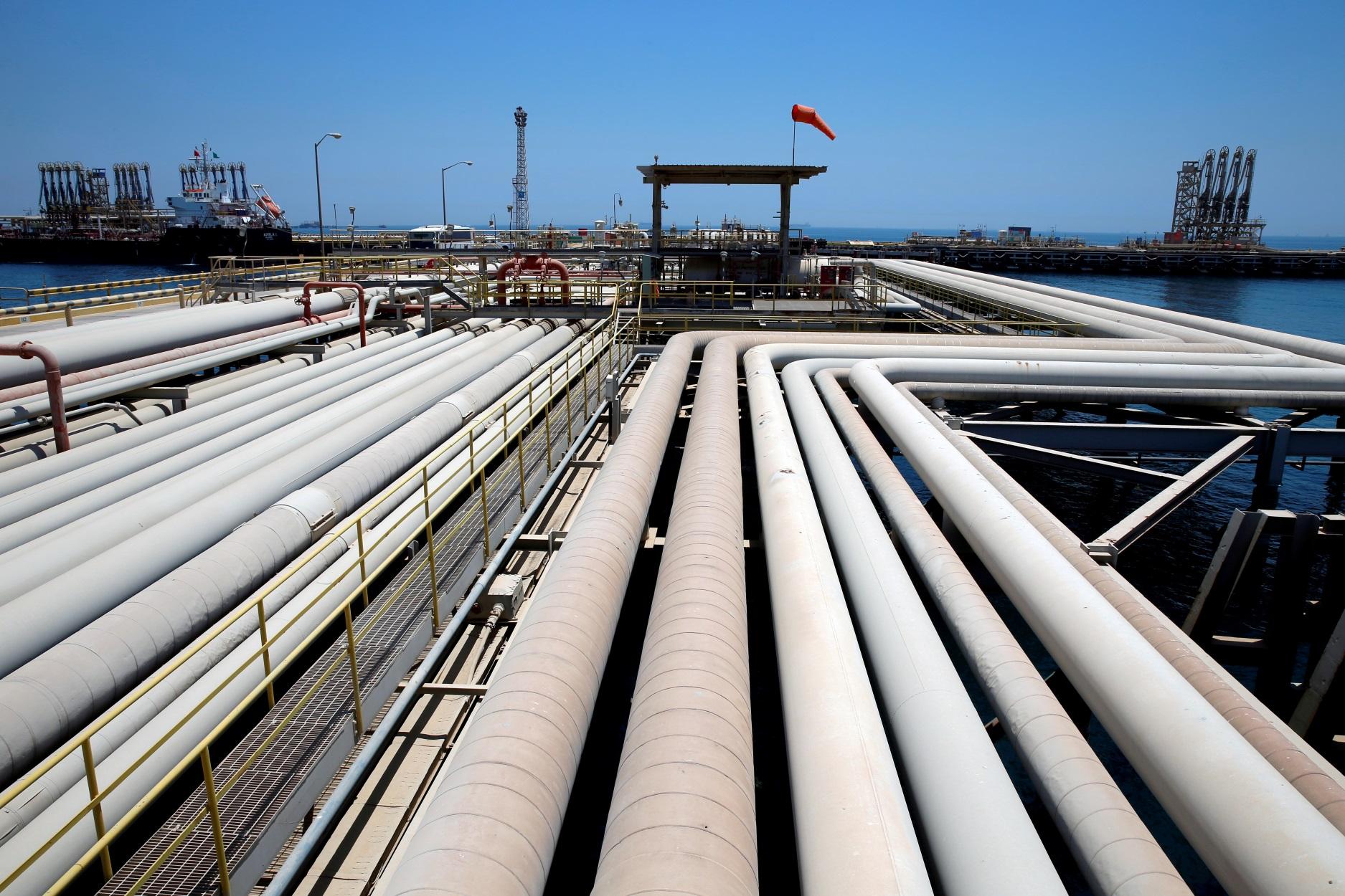 """Βαθαίνει η οικονομική κρίση στη Σαουδική Αραβία – """"Βουτιά"""" της πετρελαϊκής ζήτησης"""