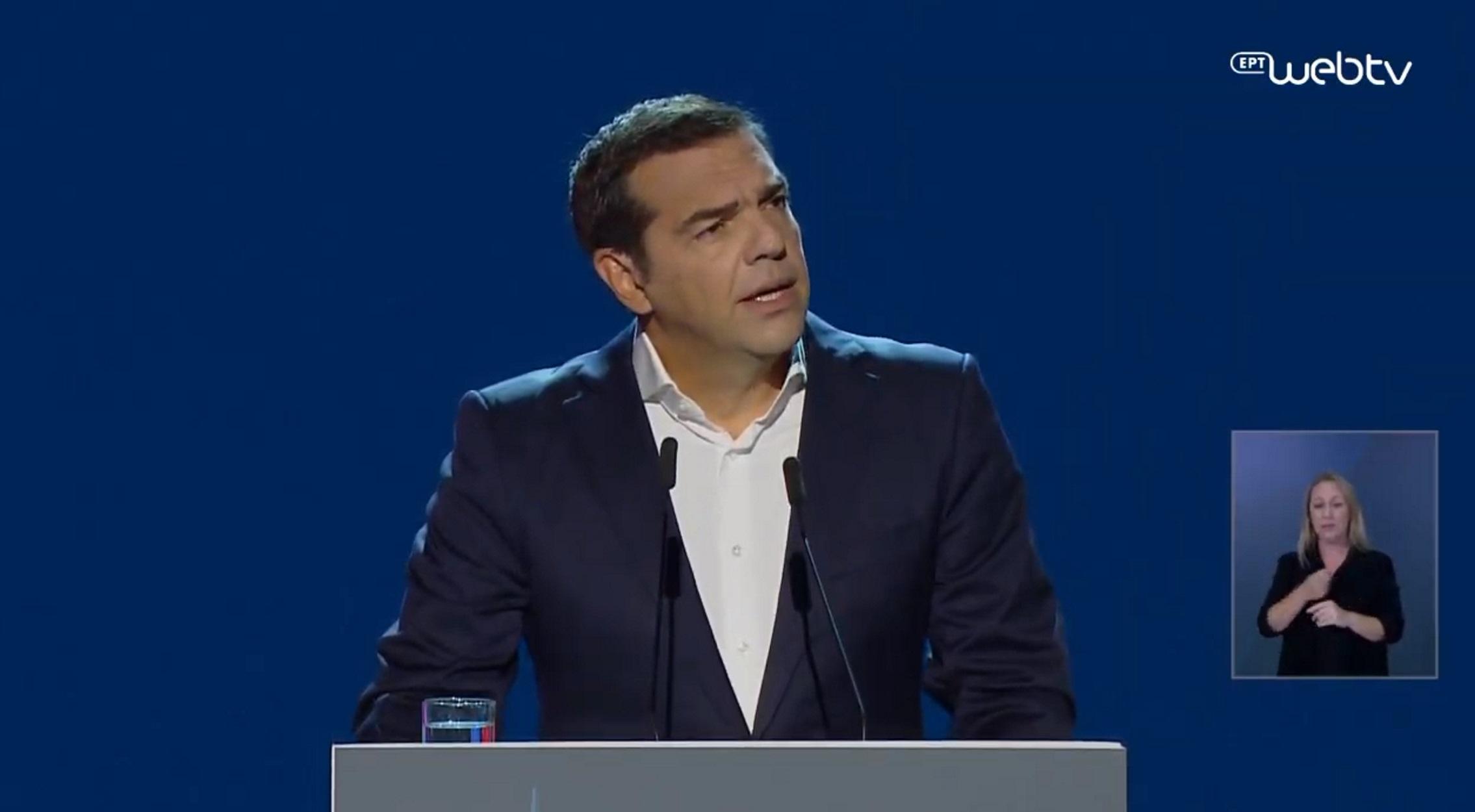 """Τσίπρας στο Thessaloniki Helexpo Forum: Συμπαράσταση στα θύματα του Ιανού – """"Κεραυνοί"""" στην κυβέρνηση (video)"""