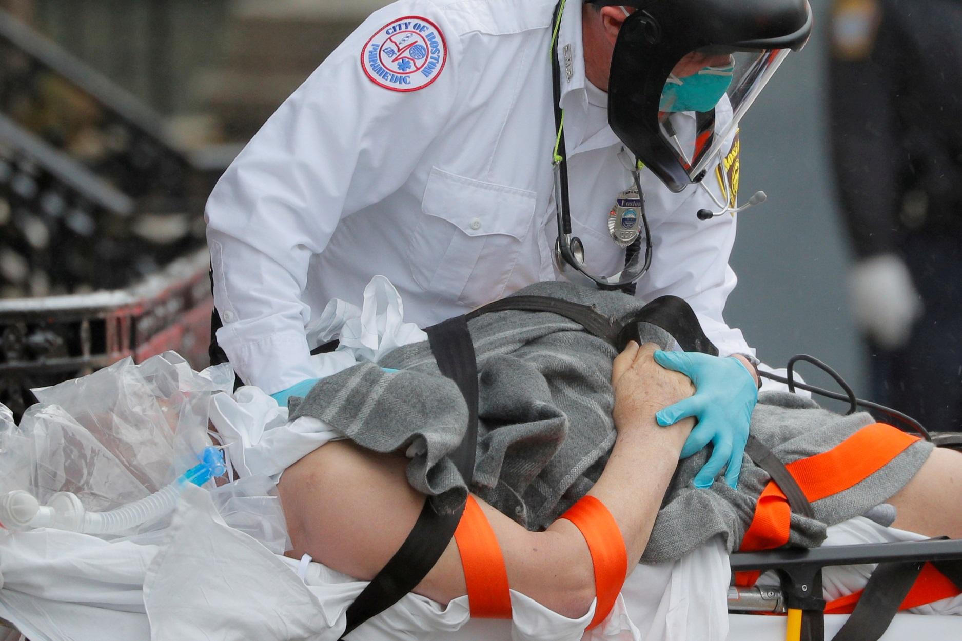 ΗΠΑ: Νέο σοκ! 181.000 κρούσματα και 1.110 θάνατοι το τελευταίο 24ωρο