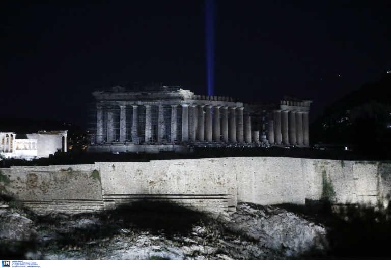 Η Ακρόπολη «λάμπει»: Τρία βραβεία για το νέο φωτισμό της (pics)