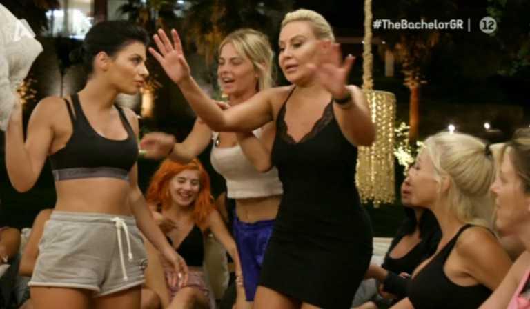 Χαμός στο Bachelor με Αντζελίνα και Ερριέτα! «Θα σου βάλω το κεφάλι στη λεκάνη»