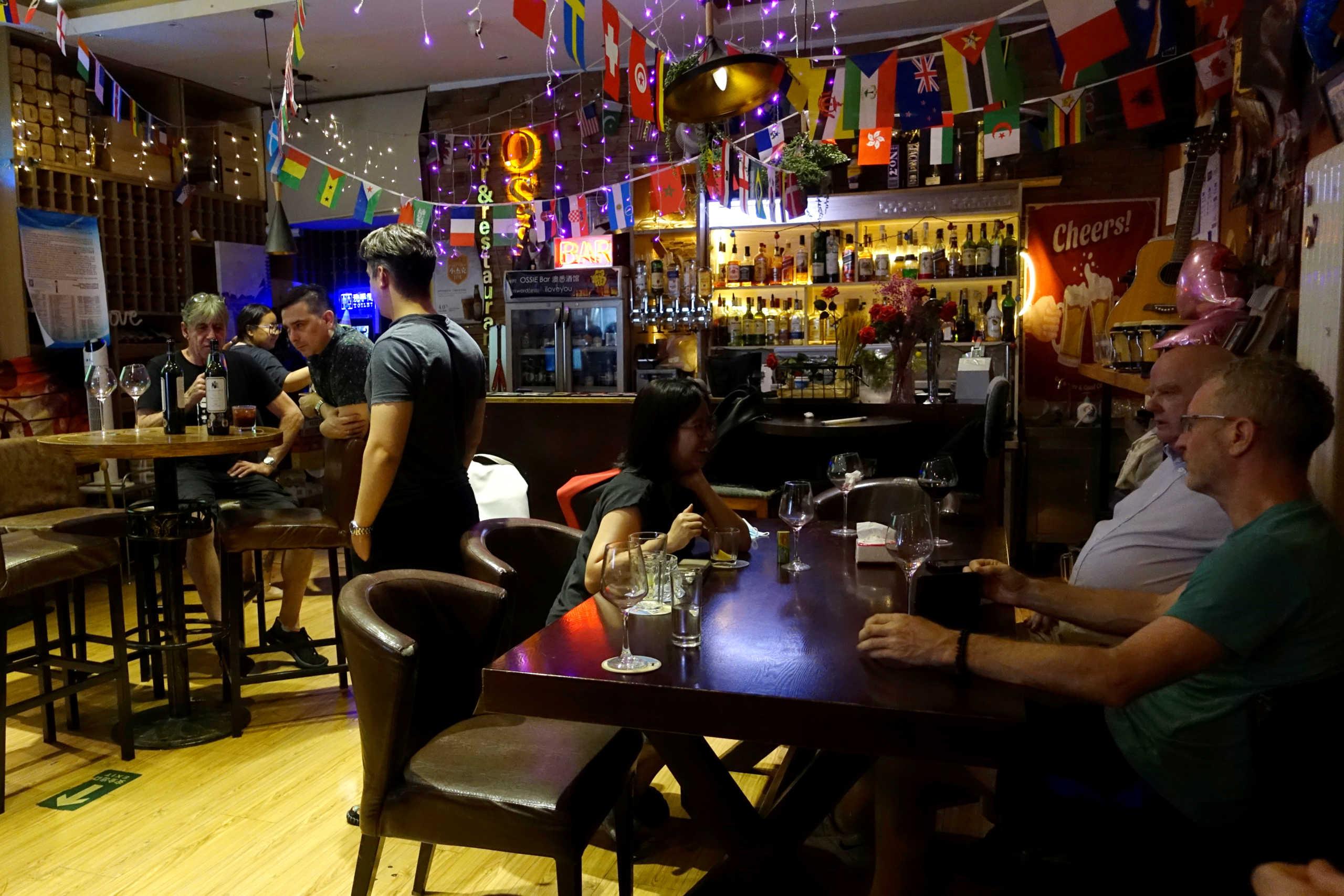 Κορονοϊός: Ανοίγουν και πάλι μπαρ και εστιατόρια στο Ρίο ντε Τζανέιρο