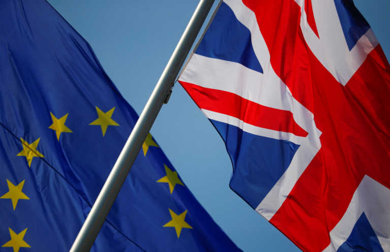 Brexit: Στο Λονδίνο ο Μπαρνιέ… μπας και υπάρξει εμπορική συμφωνίας