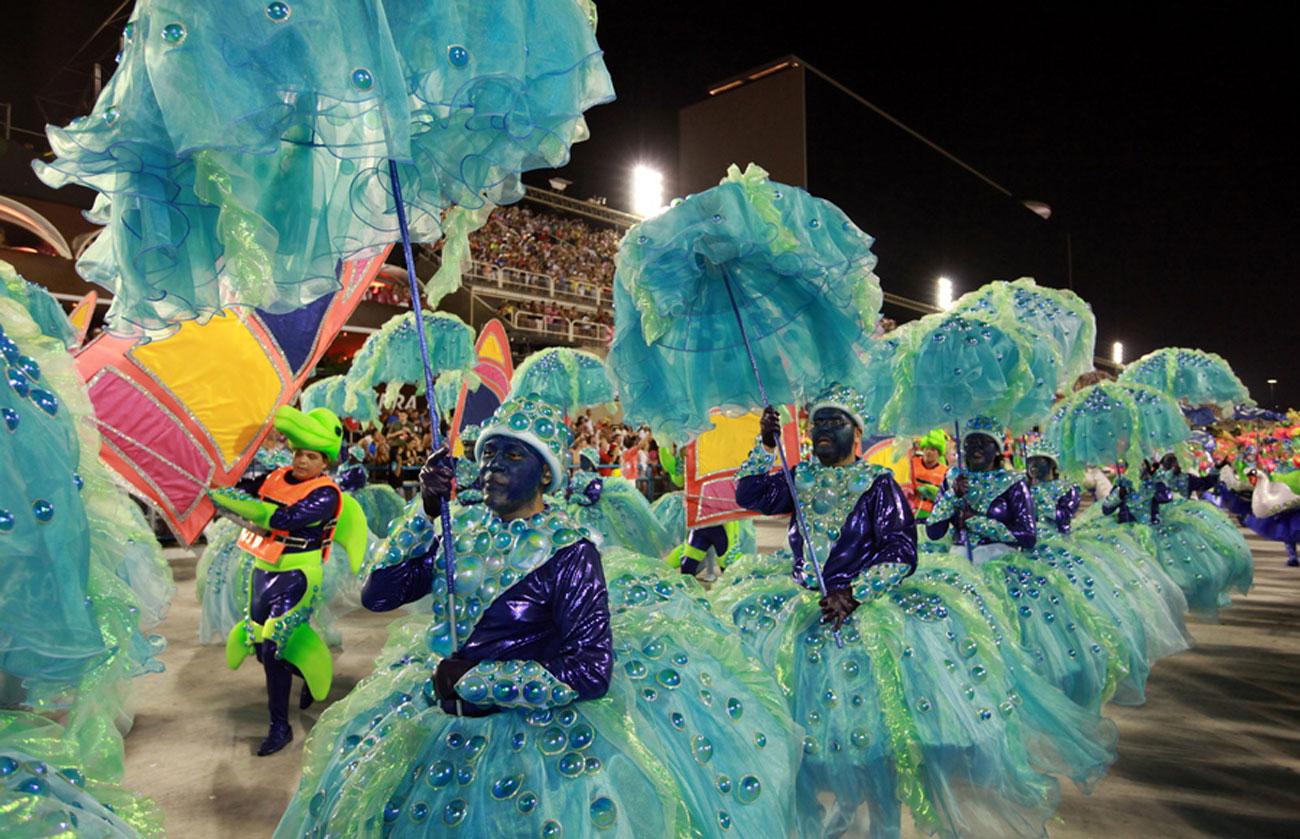 Βραζιλία: Το καρναβάλι του Ρίο θα διεξαχθεί αν υπάρχει εμβόλιο για τον κορονοϊό