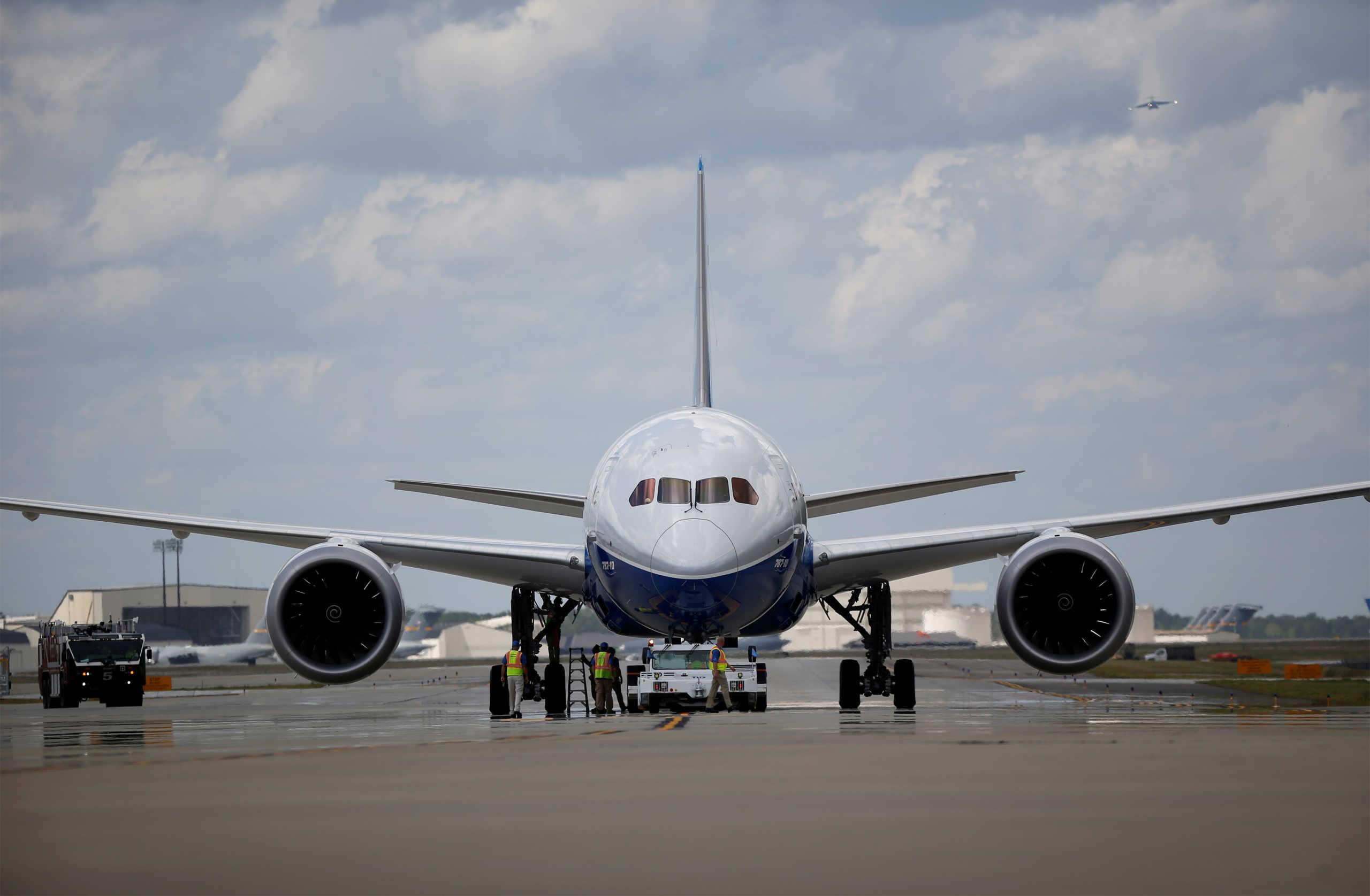 Κι άλλο προβληματικό αεροπλάνο από την Boeing! Καθυστερούν τα 787 Dreamliner
