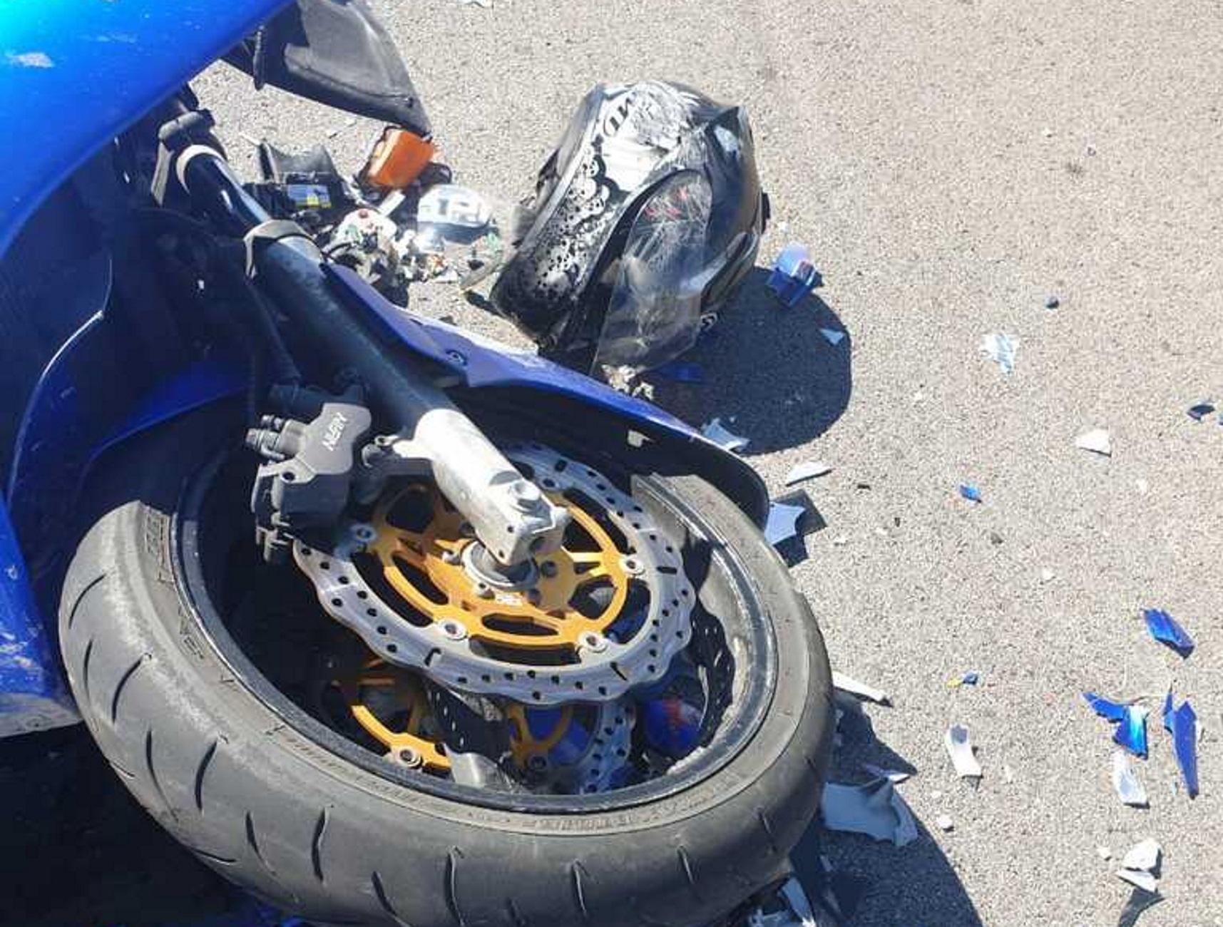 Έβρος: Σκοτώθηκε ζευγάρι σε φοβερό τροχαίο! Η μηχανή τους καρφώθηκε και διαλύθηκε σε φορτηγό (Φωτό)