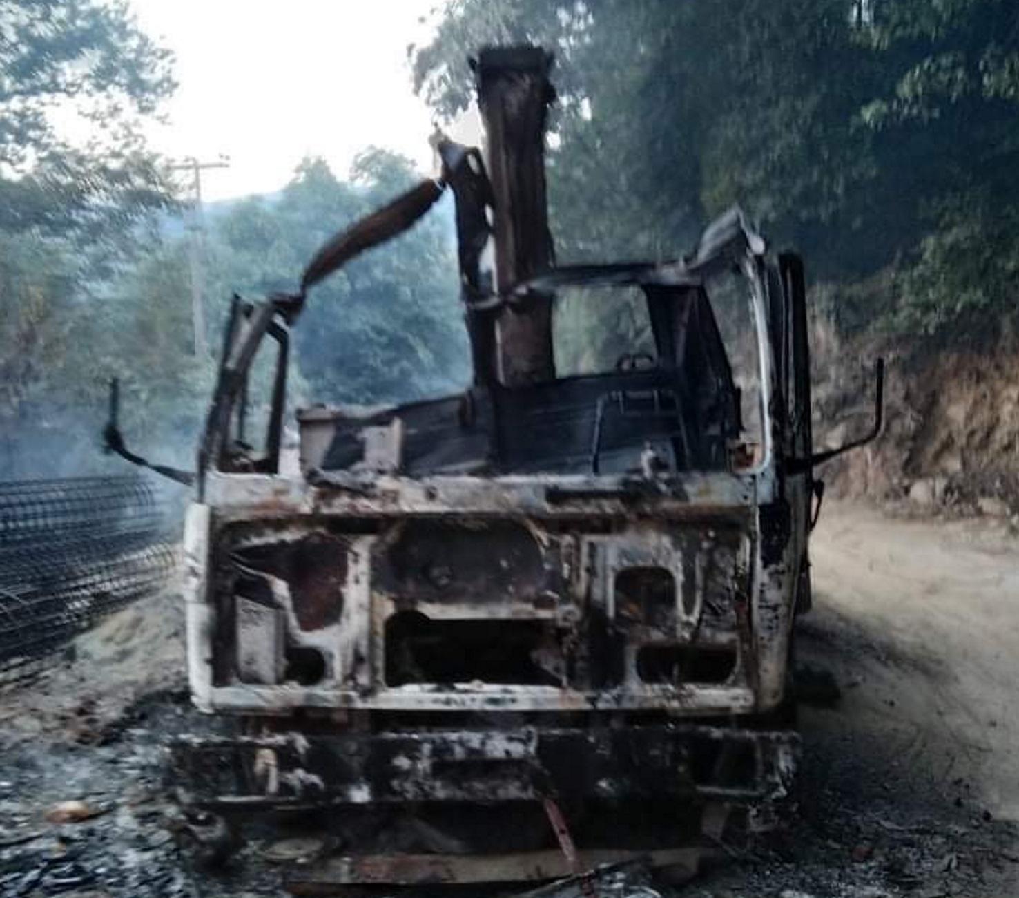 """Πήλιο: Φωτιά σε φορτηγό """"βόμβα""""! Αυτές είναι οι εικόνες που είδε ο οδηγός μπροστά του (Φωτό)"""