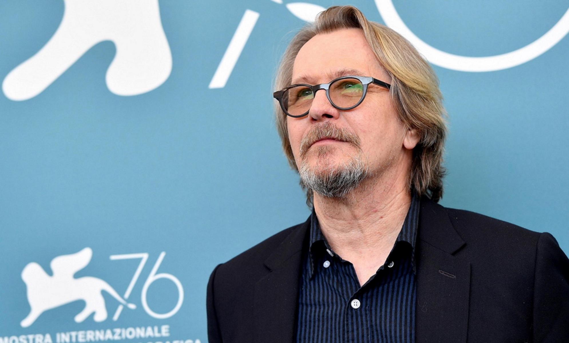 Σεναριογράφος κατέθεσε αγωγή εναντίον του Γκάρι Όλντμαν για την ταινία «Darkest Hour»