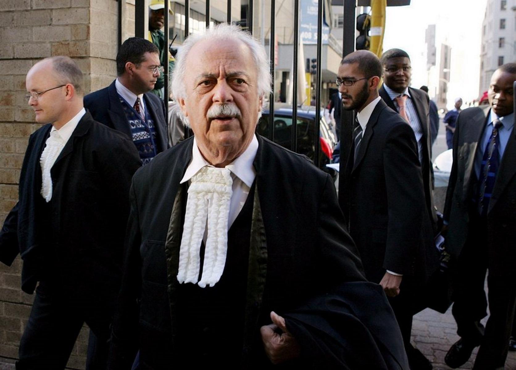 Πέθανε ο Γιώργος Μπίζος, δικηγόρος του Νέλσον Μαντέλα