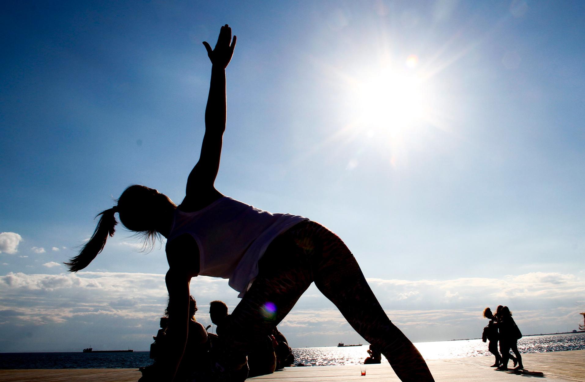 Άσκηση: Τι σημαίνει αυτή η «σουβλιά» στην πλευρά του σώματος όταν κάνετε γυμναστική