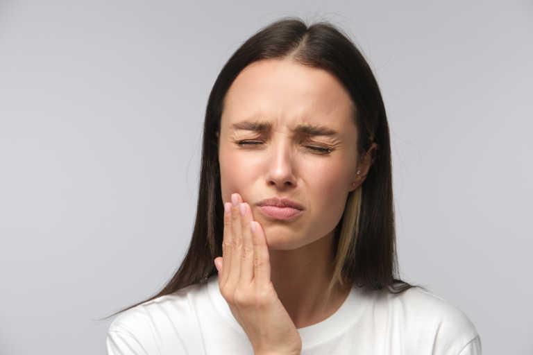 Πού μπορεί να οφείλεται ο πονόδοντος όταν δεν είναι πονόδοντος!