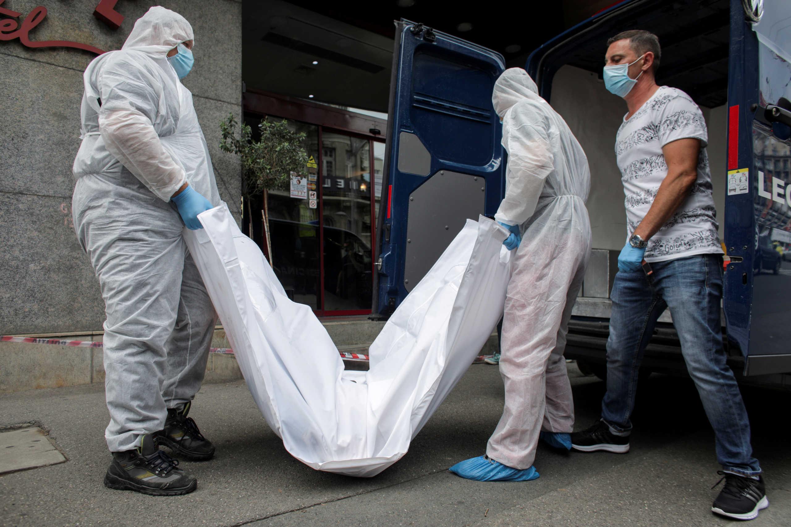 «Βυθίζεται» στον κορονοϊό το Ιράν – Θλιβερό  ρεκόρ με 440 νεκρούς σε μια μέρα